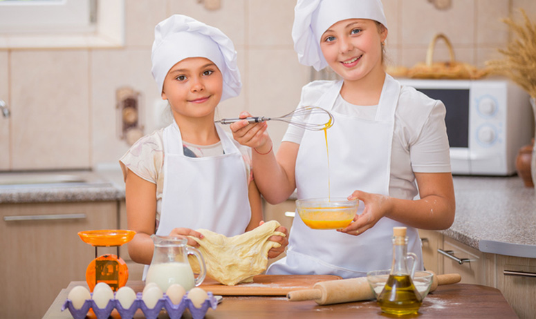 4-H Club Weekly Activities: Friday Group Two Cooking Club