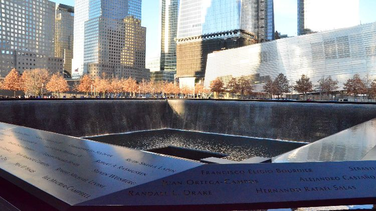 "New York City - Ground Zero Memorial Park ""Day On Your Own"""