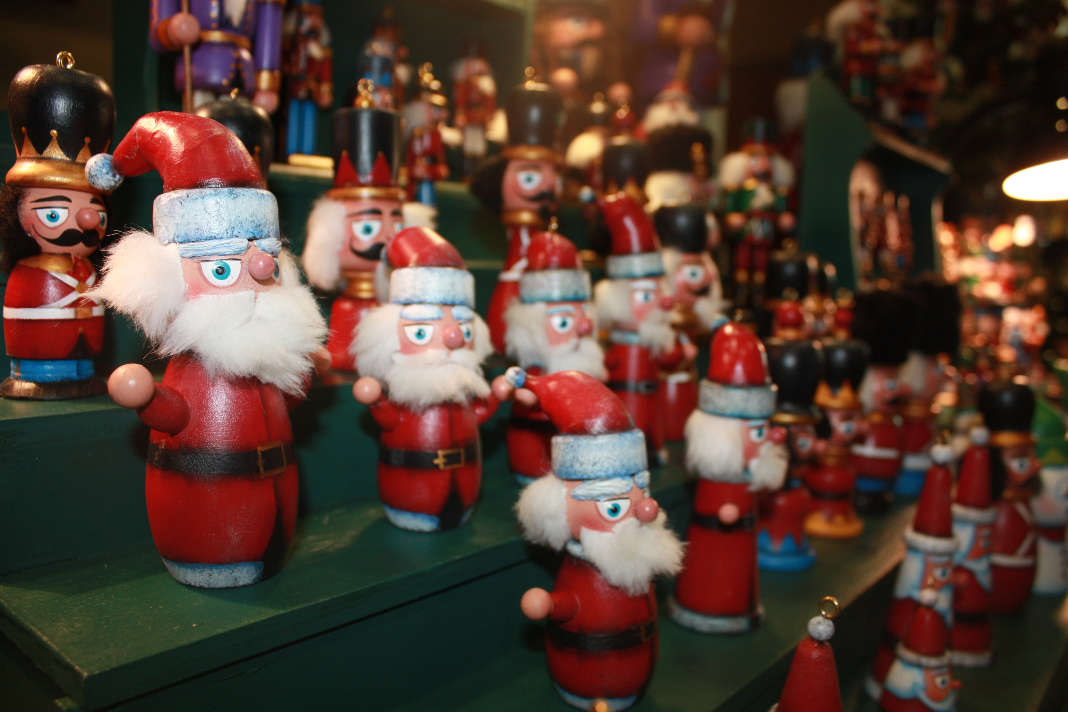 Christkindlesmarkt/Holiday Crafts Bazaar